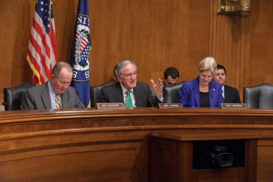 Sens. Alexander, Harkin and Warren